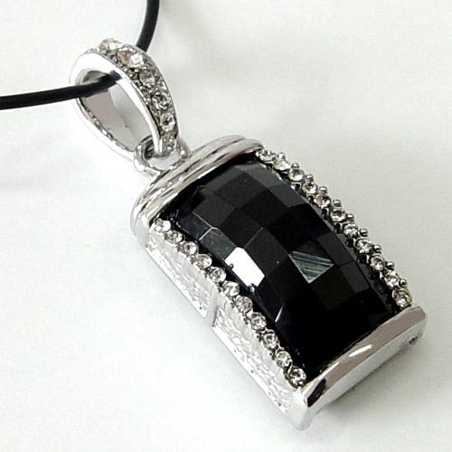 Náhrdelník USB flash disk Black Eye 790104